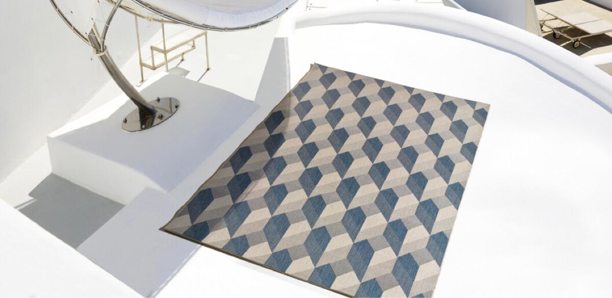 3 estilos de decoración con alfombras que cambiarán el look de tu terraza
